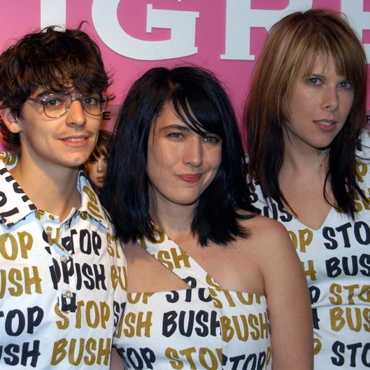Le Tigre Performs at Tower Records in New York City - October 19, 2004