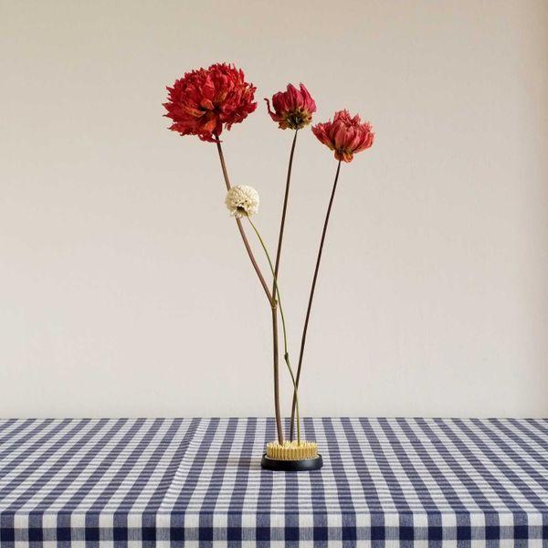 Niwaki Kenzan Dried Flower Stand