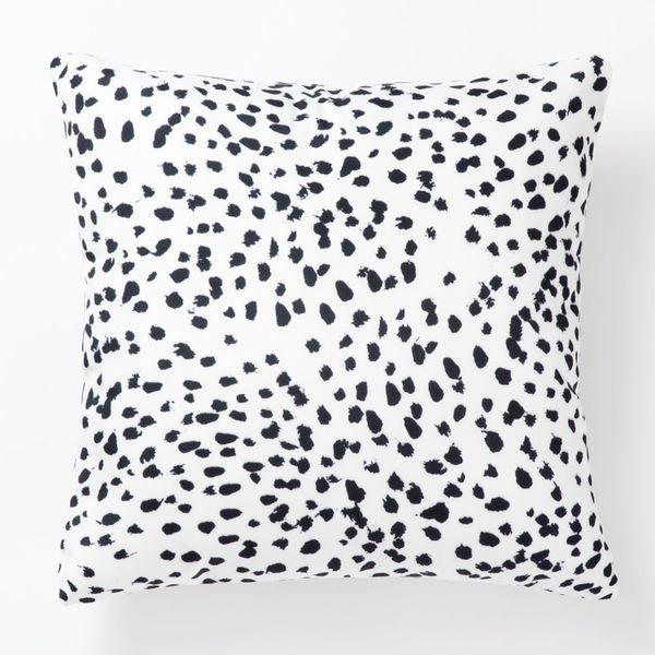 Pantaknot Dalmatian Spots Decorative Throw Pillow Covers, 18