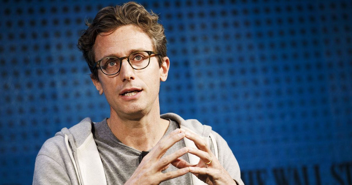 BuzzFeed Office Is Chaotic Amid Layoff News, Peretti Meeting