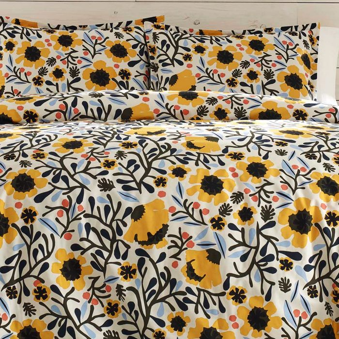 This Perfect-for-Spring Floral Duvet Cover Is 40 Percent Off Today - New York Magazine