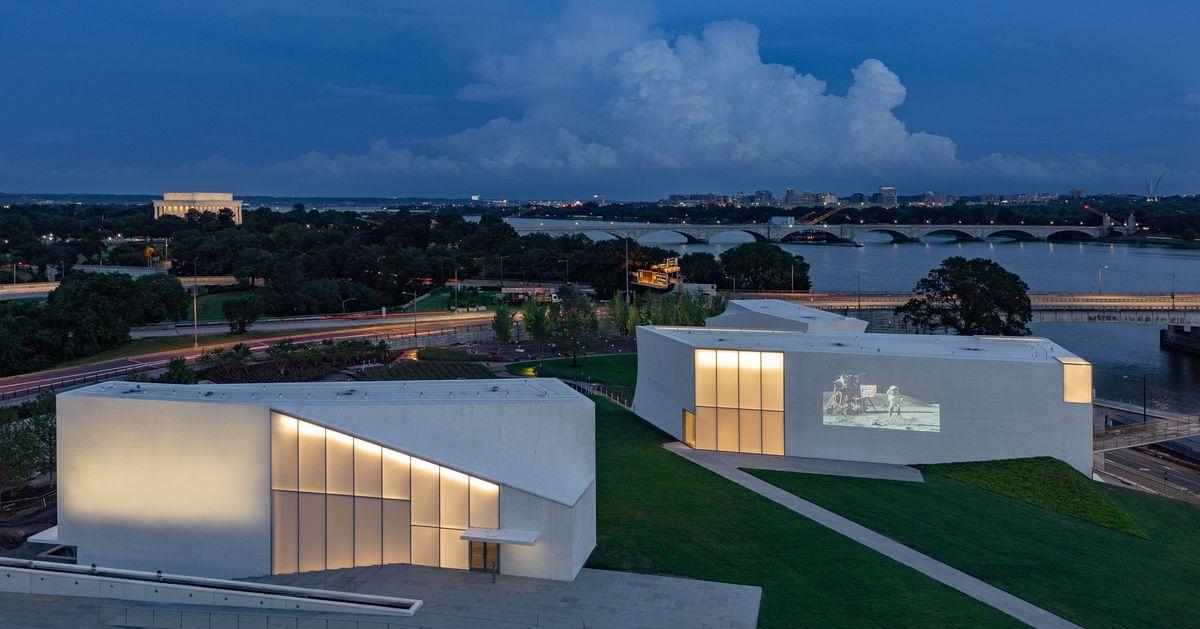 Steven Holl's Subtle 'Reach' Humanizes the Kennedy Center