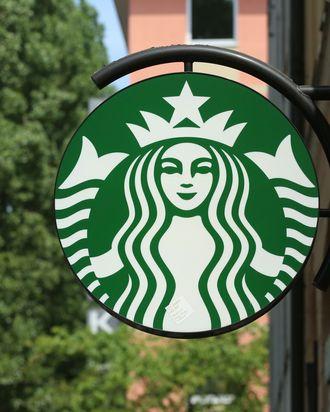 customers Starbucks dating