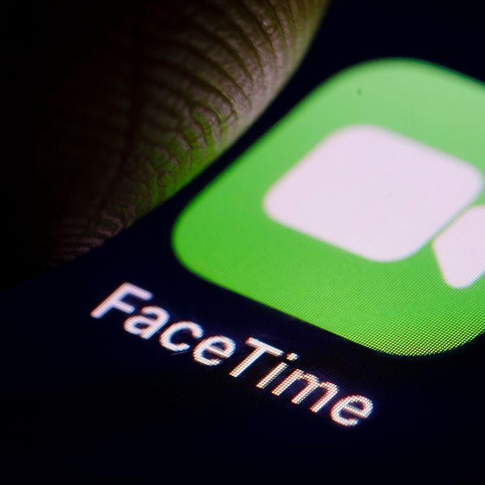 facetime women now