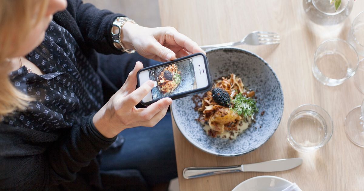 inside the world of pay for play food instagramming. Black Bedroom Furniture Sets. Home Design Ideas