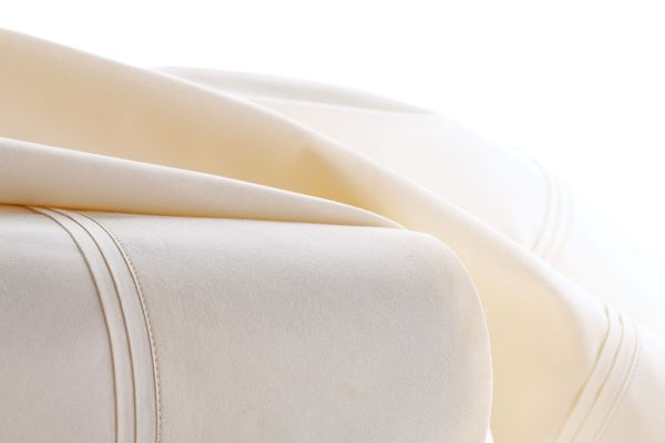 Matouk Marcus Collection Queen 600TC Solid Percale Sheet Set