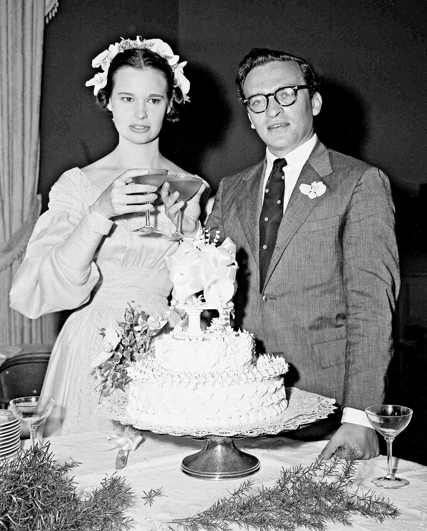 Gloria Vanderbilt amp Sidney Lumet Celebrity Wedding Cakes The Cut