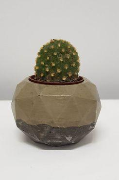 Pluto Handmade Concrete Planter