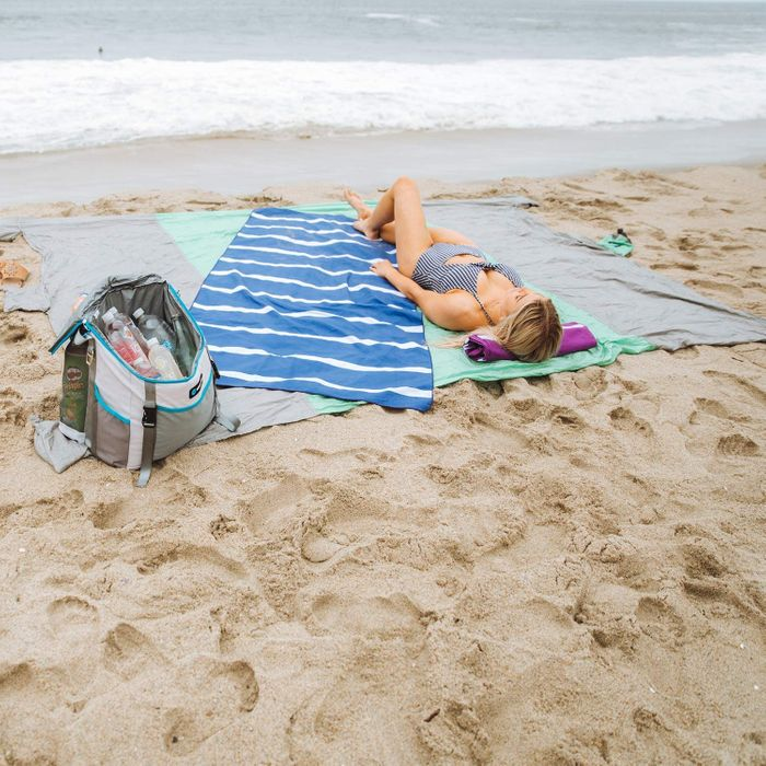 12 Best Beach Towels 2020 The Strategist New York Magazine