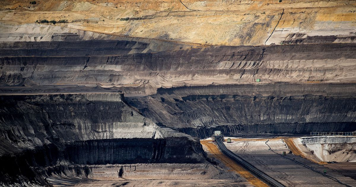 killing for coal the shift in January 11, 2016 hurt by dwindling demand, arch coal files for bankruptcy – is shift to natural gas is killing american mining companies.