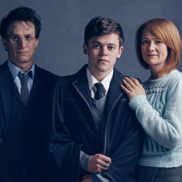 Here Are Your Awkward Family Photo-Style First Looks at Harry Potter