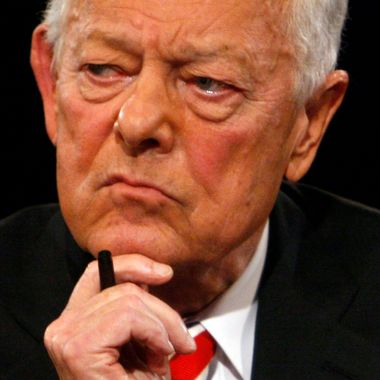 HEMPSTEAD, NY - OCTOBER 15:  Debate moderator Bob Schieffer listens during the third presidential debate in the David S. Mack Sports and Exhibition Complex at Hofstra University October 15, 2008 in Hempstead, New York. This is the final debate before voters will go to the polls in the 2008 general election on November 4.  (Photo by Charles Dharapak-Pool/Getty Images) *** Local Caption *** Bob Schieffer