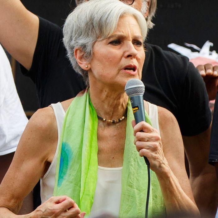 US-VOTE-DEMOCRATS-PROTEST