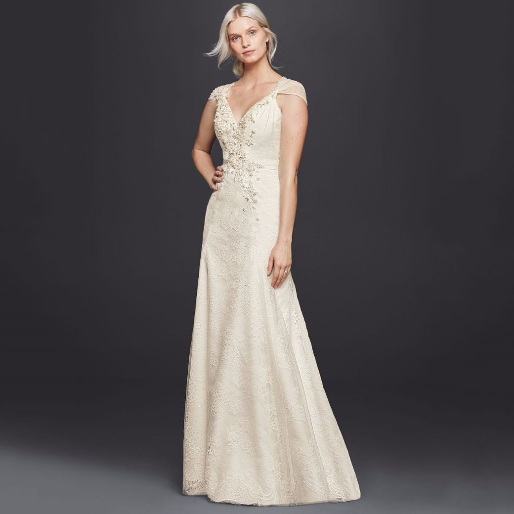WONDER BY JENNY PACKHAM Sheath V Neck Wedding Dress With Floral Applique