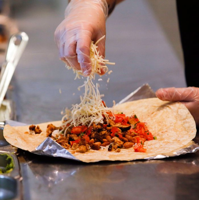 Chipotle Shutters Ohio Store Over Food Poisoning Claims