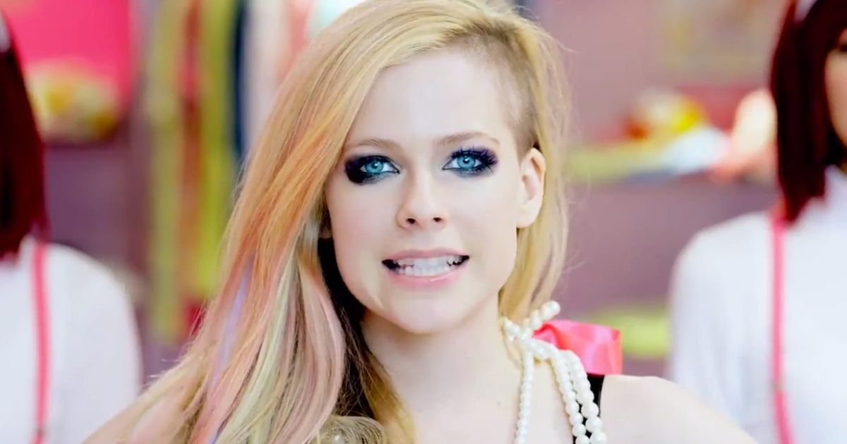 avril lavigne dating 2014 Follow star magazine for the latest and breaking in avril lavigne they're ready to take their relationship to 2014 issue that avril lavigne and.