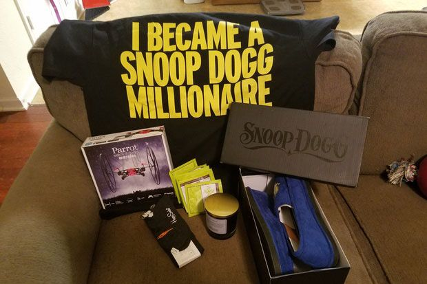 Bill gates and snoop dogg gave gifts for reddit secret santa ericas gifts from snoop dogg photo queenoftitsandwinereddit negle Gallery