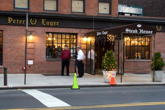 http://pixel.nymag.com/imgs/daily/grub/2012/06/19/19-abusive-restaurants-peter-luger.jpg