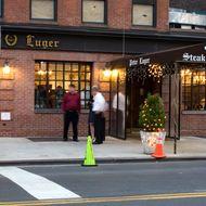 http://pixel.nymag.com/imgs/daily/grub/2012/06/19/19-abusive-restaurants-peter-luger.o.jpg/a_190x190.jpg