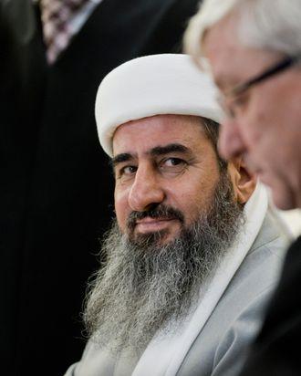 Mullah Krekar (C), founder of the Kurdis