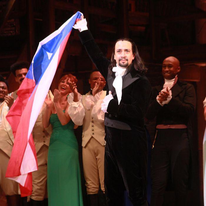 cc5b23114177b Lin-Manuel Miranda Isn't Throwing Away His Shot at Performing Hamilton in  Puerto Rico