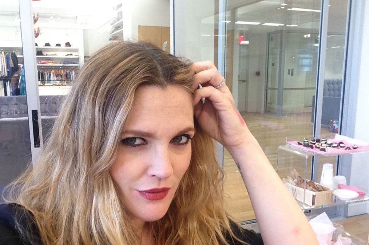 Qa Drew Barrymore On 90s Beauty How Concealer Can Be Empowering