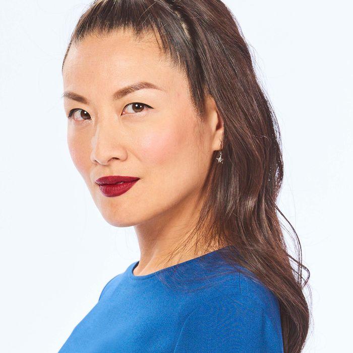 Lainey Gossips Elaine Lui Talks About Her Eyeliner Routine