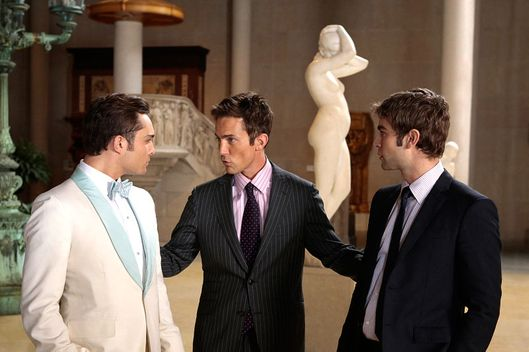 GOSSIP GIRL-- 'New York, I Love You XOXO' --   --  Pictured (L-R): Ed Westwick as Chuck Bass, Desmond Harrington as Jack Bass and Chace Crawford as Nate Archibald