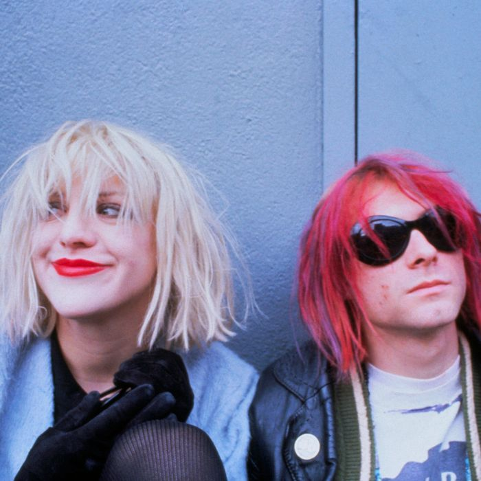 ca. 1992 --- Courtney Love and Kurt Cobain --- Image by ? Dora Handel/CORBIS OUTLINE