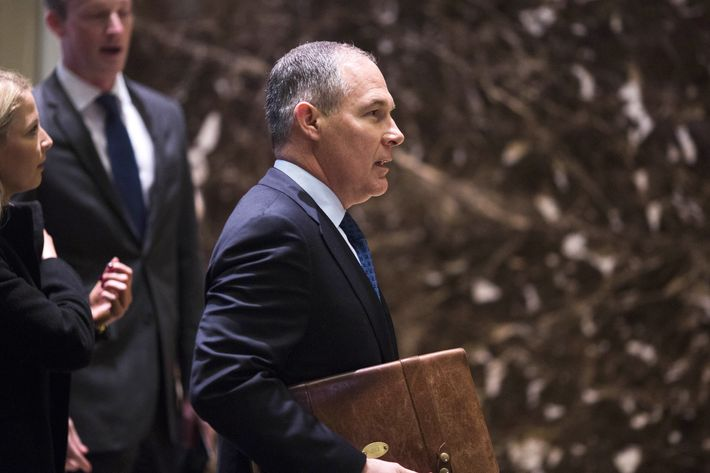 Trump to tap Oklahoma AG Pruitt, longtime EPA foe, to head agency