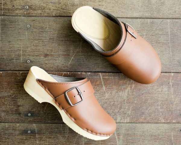 Nicora Bell Clogs Saddle Brown