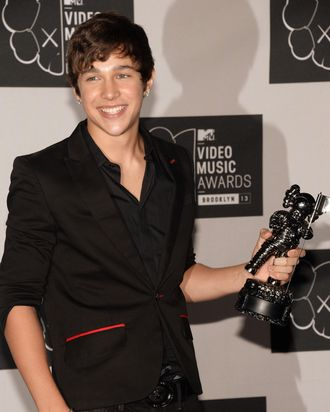Austin Mahone attends the 2013 MTV Video Music Awards at the Barclays Center on August 25, 2013 in the Brooklyn borough of New York City.