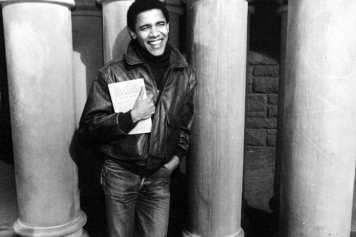 Barack Obama, ici jeune etudiant a l'universite de Harvard, c.1992 -- Barack Obama as student at Harvard university, c. 1992