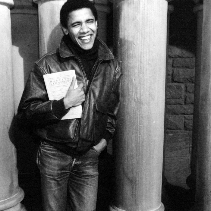 Barack Obama, ici jeune etudiant a l'universite de Harvard, c.1992 -- Barack Obama as student at Harvard university, c. 1992