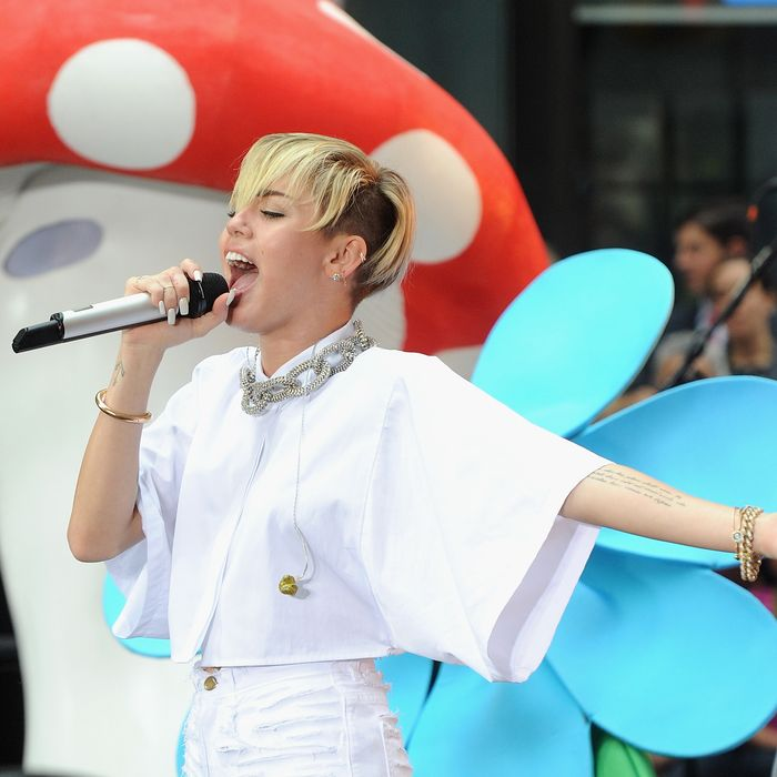 NEW YORK, NY - OCTOBER 07: Miley Cyrus performs on NBC's
