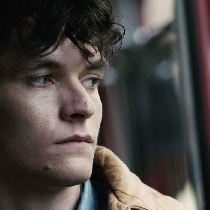 Fionn Whitehead in Black Mirror: Bandersnatch.