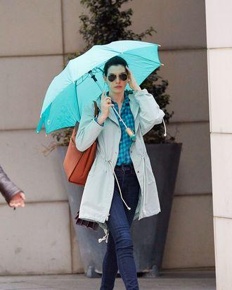 Anne Hathaway, springtime vampire
