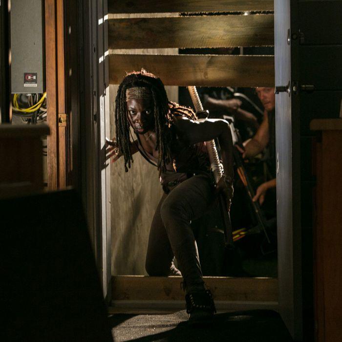 Michonne (Danai Gurira) - The Walking Dead - Season 3, Episode 8 .