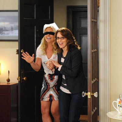 30 ROCK -- Episode 701 -- Pictured: (l-r) Jane Krakowski as Jenna Maroney, Tina Fey as Liz Lemon.