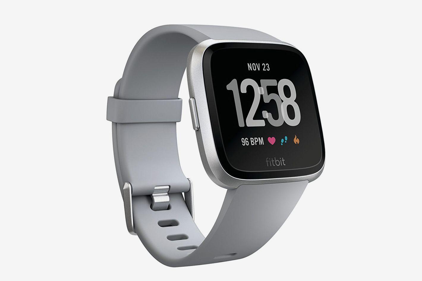 Fitbit Versa Smartwatch, Black/Black Aluminium