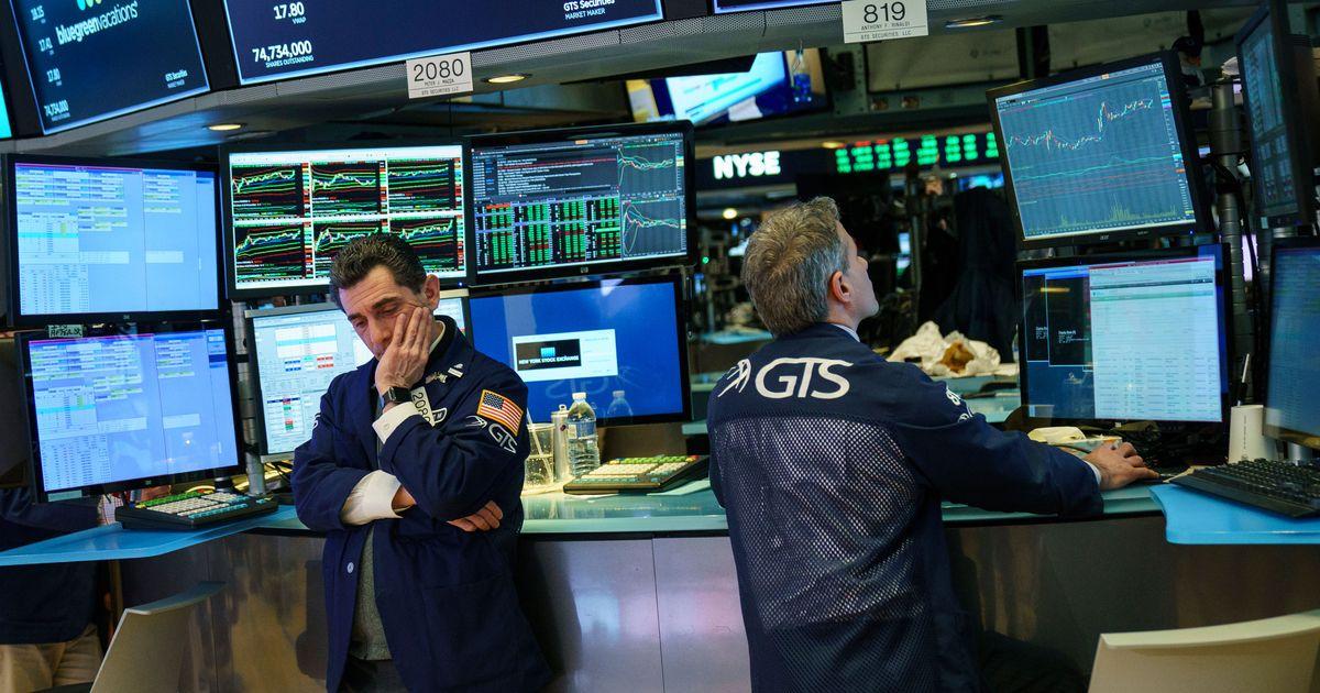 Some Wall Street Traders Preparing For 0 Bonuses