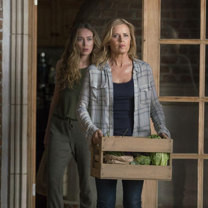 Kim Dickens as Madison Clark, Alycia Debnam-Carey as Alicia Clark - Fear The Walking Dead _ Season 2, Episode 07 - Photo Credit: Richard Foreman, Jr/AMC