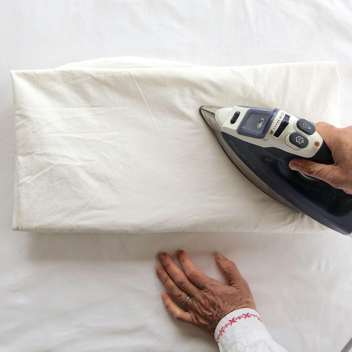 How to Iron a Sheet, According to Maira Kalman | The Strategist