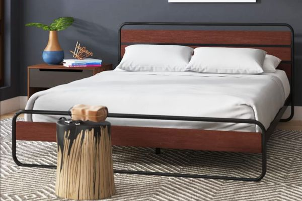 Wade Logan Barba Platform Bed, Full