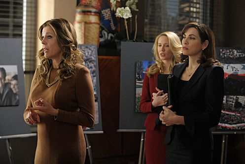 """Live From Damascus""--Caitlin (Anna Camp, center) helps Alicia (Julianna Margulies, right)as she presents the firm\'s case against a software company being represented by Viola Walsh (Rita Wilson), on THE GOOD WIFE, Sunday,Feb. 19 (9:00-10:00 PM ET/PT) on the CBS Television Network. Photo: Jeffrey Neira/CBS ©2012 CBS Broadcasting, Inc. All Rights Reserved"