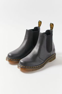 Dr. Martens 2976 Wanama Leather Unisex Chelsea Boot
