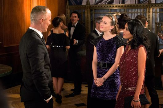 GOSSIP GIRL-- Revengers -- Pictured (L-R): John Burke as Bart Bass, Leighton Meester as Blair Waldorf and  Hina Abdullah as Iman