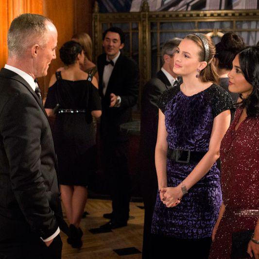 GOSSIP GIRL-- Revengers -- Pictured (L-R): John Burke as Bart Bass, Leighton Meester as Blair Waldorf and Hina Abdullah as Iman
