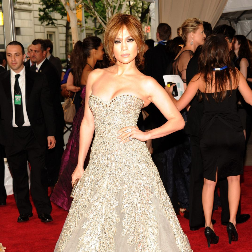 b579f15786bb The Jennifer Lopez Look Book