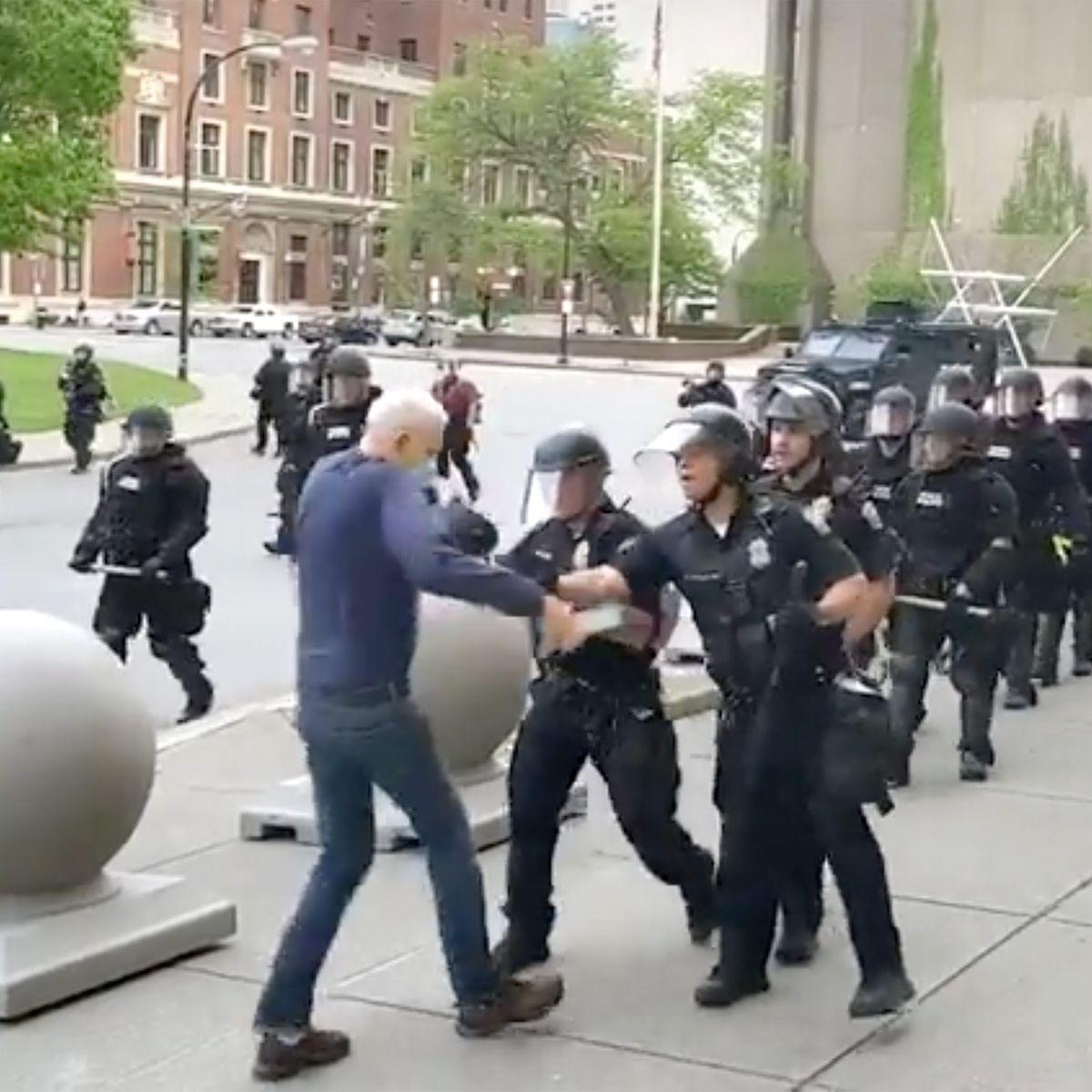 Buffalo police shoving incident
